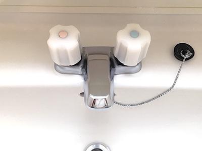 古い賃貸の洗面所蛇口