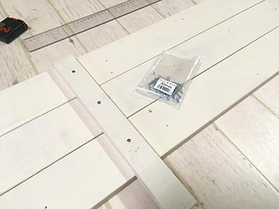 側面板となるワンバイフォー材の組み立て