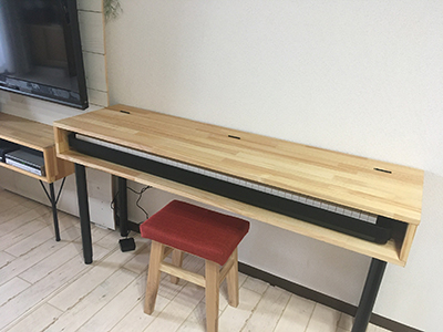 学習机兼ピアノ台完成