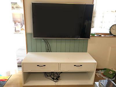 テレビ台設置